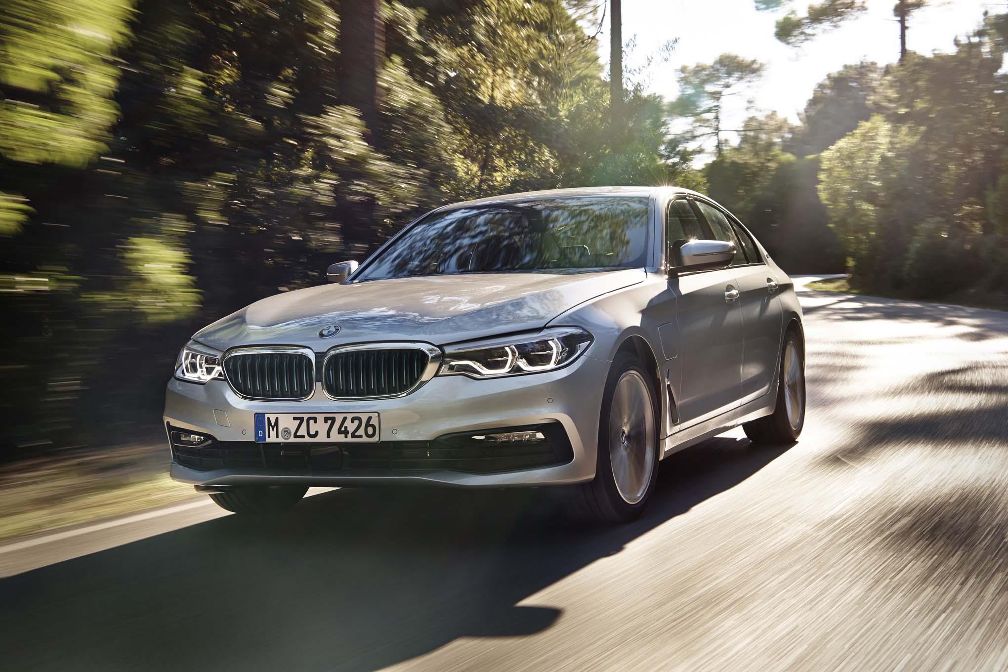 BMW 530e IPERFORMANCE 2018: TECNOLOGÍA QUE POSICIONA LA MARCA EN EL TOP 3 DE LOS ELÉCTRICOS