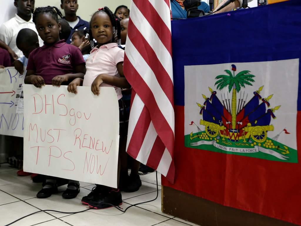 ESTADOS UNIDOS INICIA EL PROCESO DE DEPORTACIÓN A CASI 60.000 HAITIANOS
